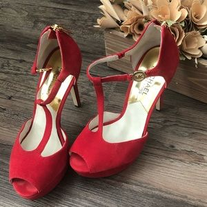 👠  [Michael Kors] Red Heels with Gold Accents